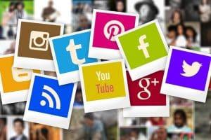 De L'Homme, Google, Polaroid, Pinterest, Modèle, Social